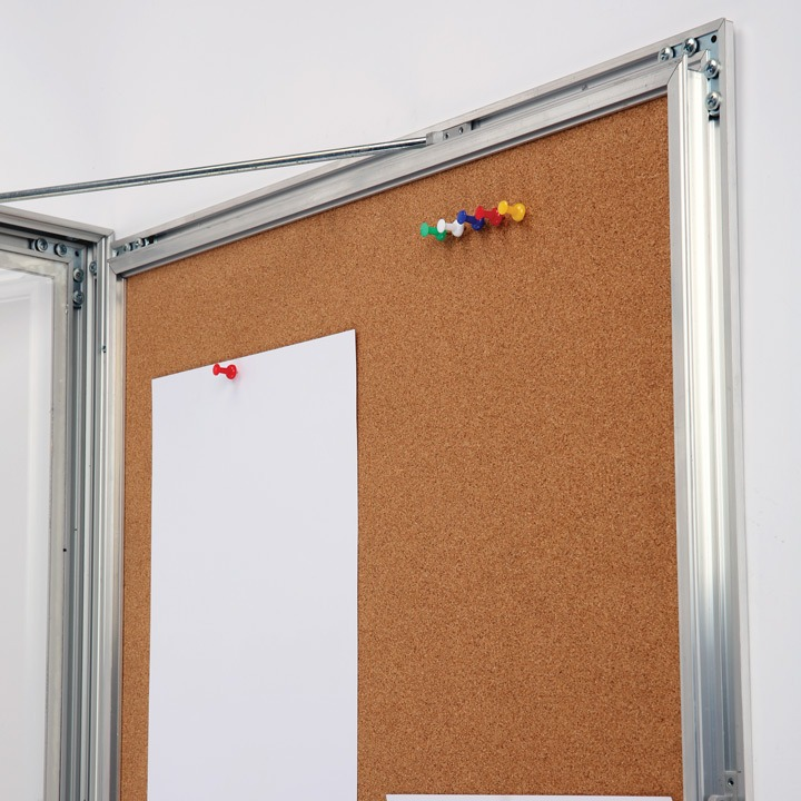 Universal Showboard with Cork